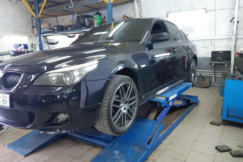 BMW M5 замена ПТФ и полировка фар